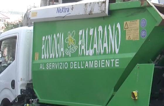 Ancora morti bianche: a Bari operatore ecologico muore investito dal mezzo durante il servizio