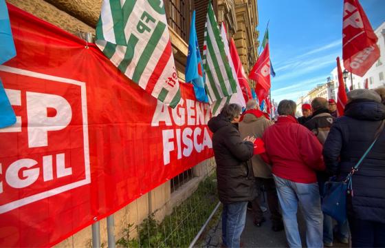 Grande partecipazione a manifestazioni lavoratori Agenzie fiscali