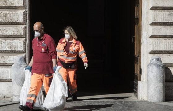 Gli operatori ecologici al tempo del virus, da Nord a Sud Italia
